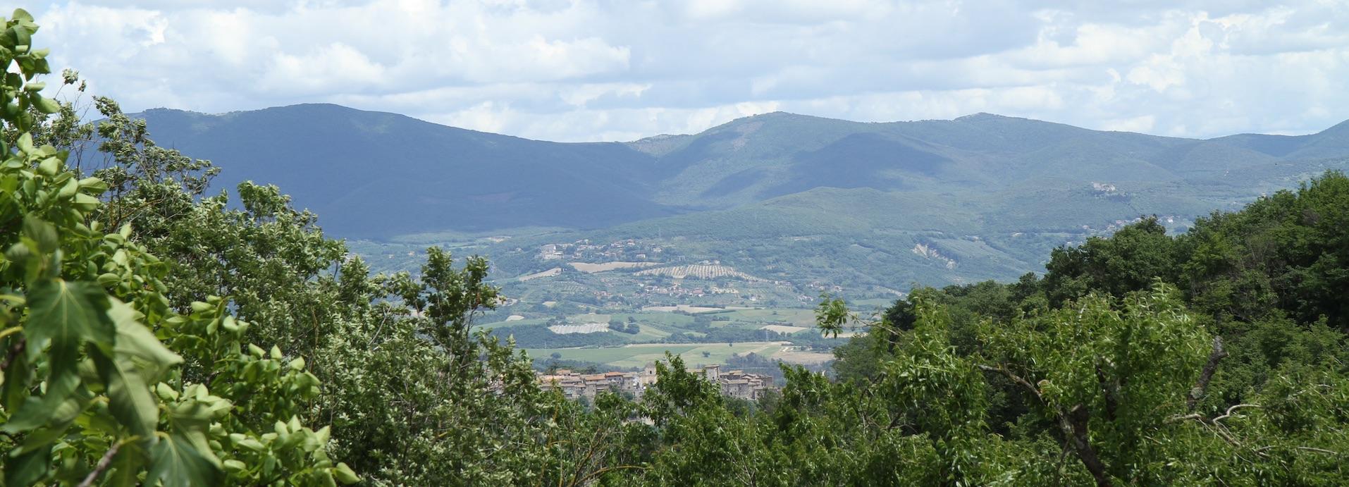 Panorama Paesini Umbri visti dal Belvedere di Podere Porcino a Castiglione in Teverina